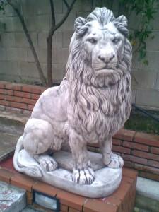 ART. AN-05 leone africano grande dx